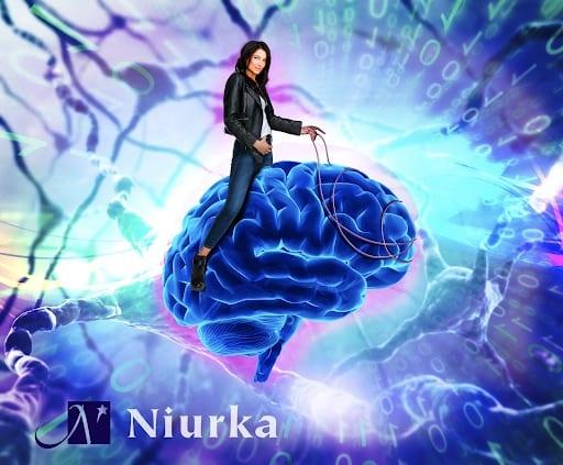 Niurka_sitting_on_brain_blog_life_coach