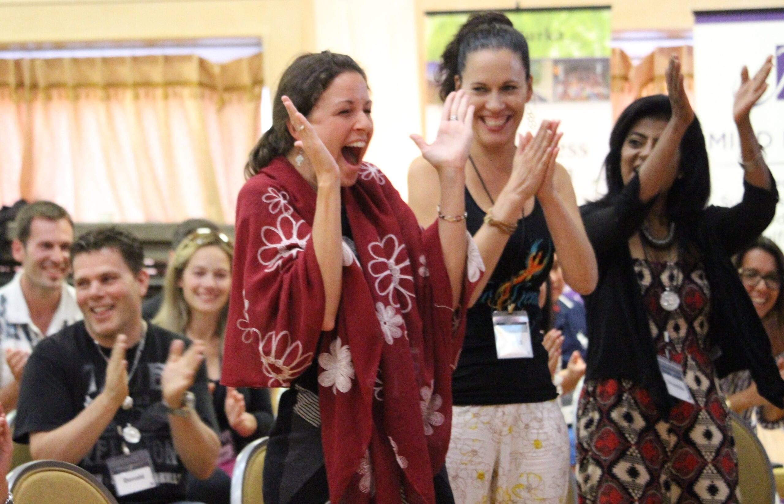 Niurka_participants_clapping_blog_personal_transformation